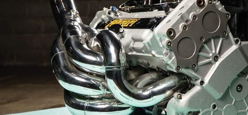 Ha valakinek szüksége lenne egy 835 lóerős Ferrari Forma–1-es motorra, itt egy eladó