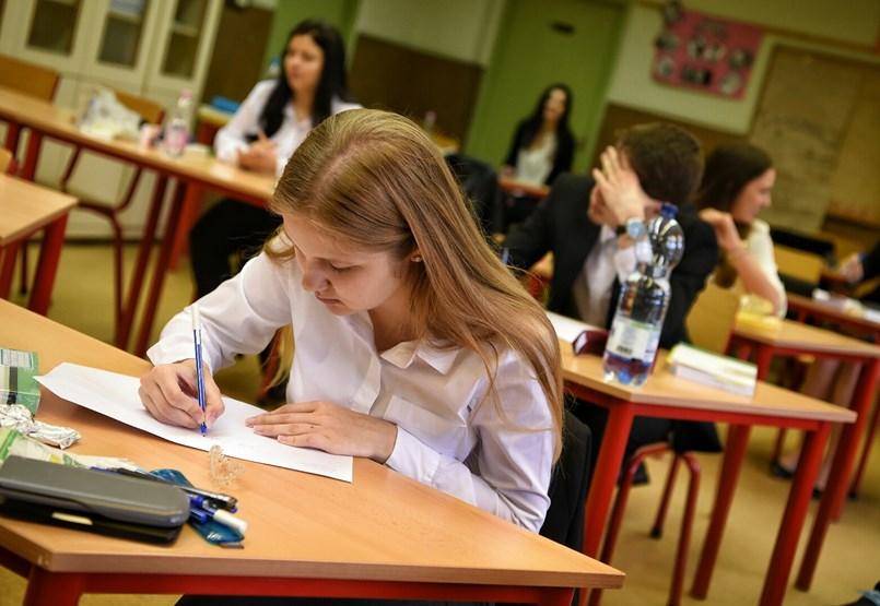 Érettségizők a vizsga előtt: a friss adatok szerint 100 ezren várnak válaszra