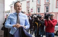 Az ír miniszterelnök orvosnak áll a járvány idejére
