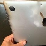Kitiltotta az USA a repülőgépekről a régebbi MacBook Prókat, mert kigyulladhatnak