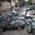 Két tucat luxusautót zúzatott be a kamerák előtt Duterte
