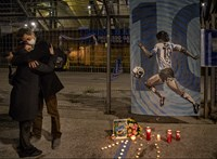 Nápolyt megrengette Maradona halála – galéria