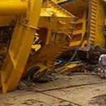 Tizenegy embert ölt meg a felborult daru