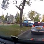 Nem megnyugtató, de az autósok nem csak náluk képesek apróságok miatt ámokfutókká válni – videó