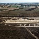A BMW elhalasztja a debreceni üzemének építését