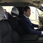 A nap fotói: a miniszter már kipróbálta az új orosz luxusterepjárót, a Komendantot