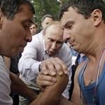 December 4-én orosz választások, Putyin és Medvegyev titkolózik