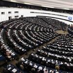 Továbbra is nyakló nélkül költhetik a pénzt az EP-képviselők
