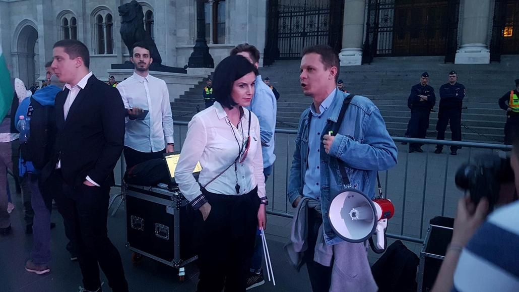 e_! Kunhalmi Ágnes Szabó Gábor Mi vagyunk a többség tüntetés