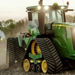 A nap videója: gigantikus gumihevederes traktoron jött a menyasszony Vas megyében