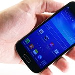 Kisebb, olcsóbb Samsung Galaxy S4: kipróbáltuk a minit