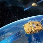 Tudja, mi a közös Kennedy elnökben, november 21-ében és a Föld körül keringő műholdakban?