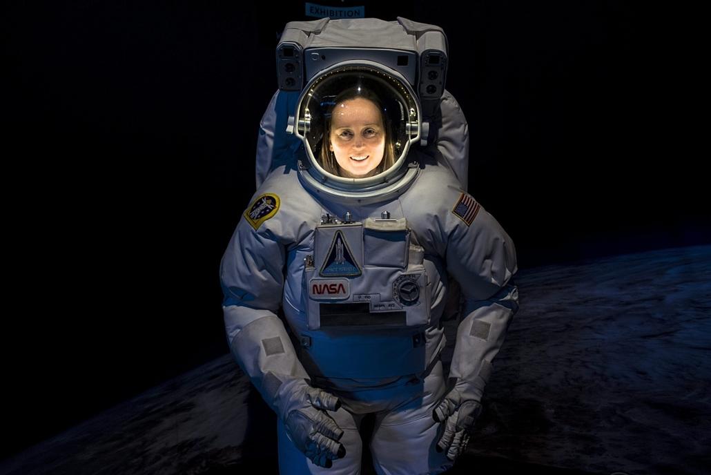 mti.16.03.07. - nemzetközi nőnap - Opitz Andrea űrkutató