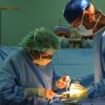 Műtéti várólisták: a kormányzat szerint nincs baj, de a számok mást mondanak