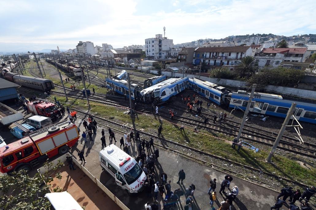 afp.14.11.05. - Algír, Algéria: vonatbaleset a városban