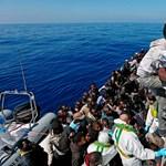 A spanyol kormányfő megengedte, hogy kikössön a 629 menekültet szállító hajó