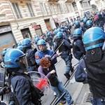 Áll a bál a közoktatási változások miatt: füstbombákat dobáltak az olasz diákok