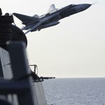 Amerikai katonai gépet fogott el egy orosz Szu–30-as