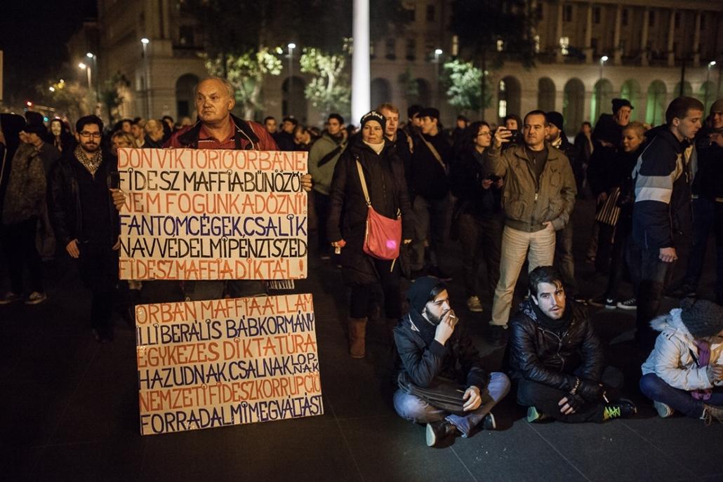 üzs.14.10.28. - Debrecen: második tüntetés az internetadó ellen