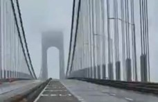 Mintha lélegezne egy New York-i híd, ahogy a szél miatt fel-le mozog – videó