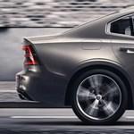 Hivatalos: íme a szemrevalóra sikeredett, dízel nélkül támadó új Volvo S60