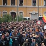 Megint tüntettek a bevándorlók ellen Chemnitzben, most ezren vonultak az utcákra