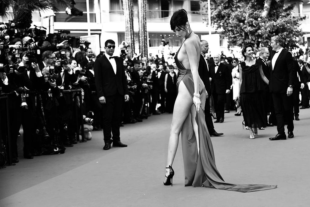 afp.16.05.21. - Bella Hadid amerikai modell - Cannes-i Filmfesztivál feketén-fehéren, Nagyítás
