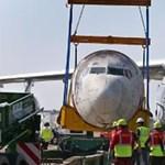 Hazavitték Németországba a 40 éve eltérített Lufthansa-gépet - videó