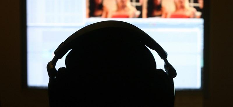 Retro felvilágosítás helyett közös pornónézés az iskolában?