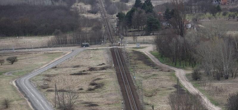 Aláírták a szerződést a Budapest–Belgrád-vasút magyarországi szakaszára