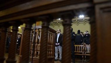 Portik szerint rendőrök megbízására húzta csőbe Gyárfást és Princzet