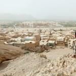 Taxiállomásnál robbant bomba Jemenben, sok a halott