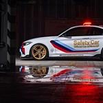 Így faragtak Moto GP biztonsági autót a BMW M2-ből – galéria