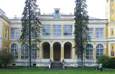 A magyarokat a járvány sem tartja vissza, ostromolják a várakat