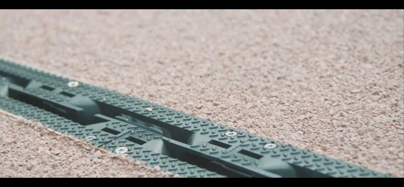 Kész az első kerékpárút, amelyet kizárólag műanyaghulladékból építettek – videó