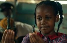 Tizenöt évesen elhunyt a Katwe királynője színésze