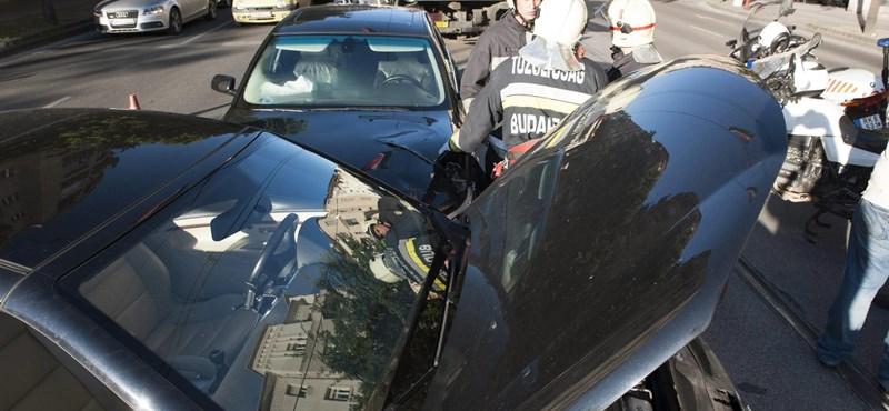 Fotók: BMW karambolozott a Margit körúton