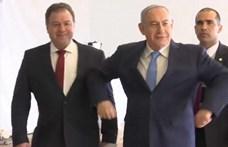 Netanjahu átadta a külügyi tárcát, de két másikat megtartott