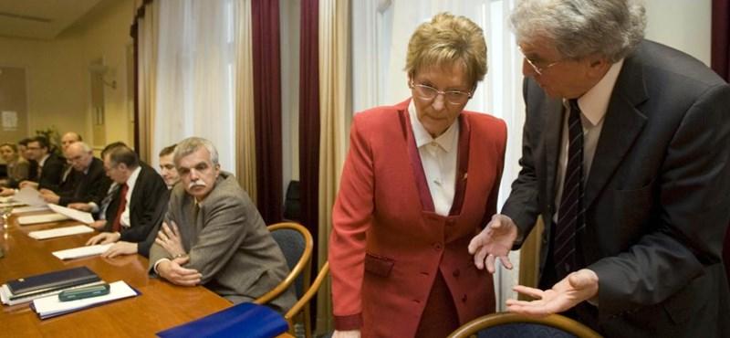 A Hoffmann-féle szerződések Brüsszelnek is feladatot adnak