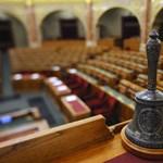 Liget-törvény: extra gyorsan véget ért a parlament rendkívüli ülése