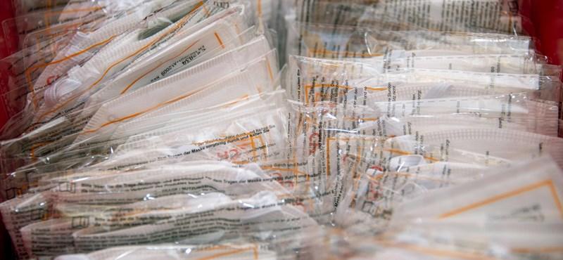 Simlis kereskedők, portyázók és csalók is sokat profitáltak a járványból