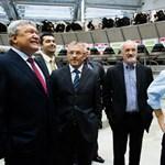 Orbán nem vállalkozott a fejésre, de a büszke Csányiékat jól megdicsérte