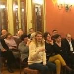 """""""Nem belpolitikáról szól a migránskérdés"""", avagy, amikor még Nógrádi György kezéből is kiveszik a mikrofont - videó"""