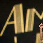 Újra Amy Winehouse vezeti a brit lemeztoplistát