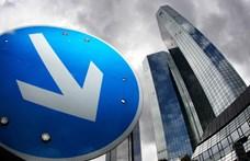 Arany ejtőernyővel ugranak ki a főnökök a Deutsche Bankból, ahonnan minden ötödik embert kirúgnak