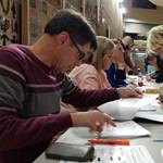 Összeomló szavazatszámlálással kezdődtek meg az amerikai előválasztások