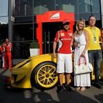 Jótékonysági aukción vett Ferrarit a Google alelnöke - fotók