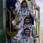 Mosolyogva búcsúzott indulás előtt az első dán űrhajós – fotó