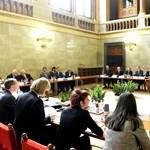 Rogán elismerte: Nem lesz kormányprogramja Orbánnak