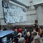 Akit tökön rúgtak a Fidesz-székházban